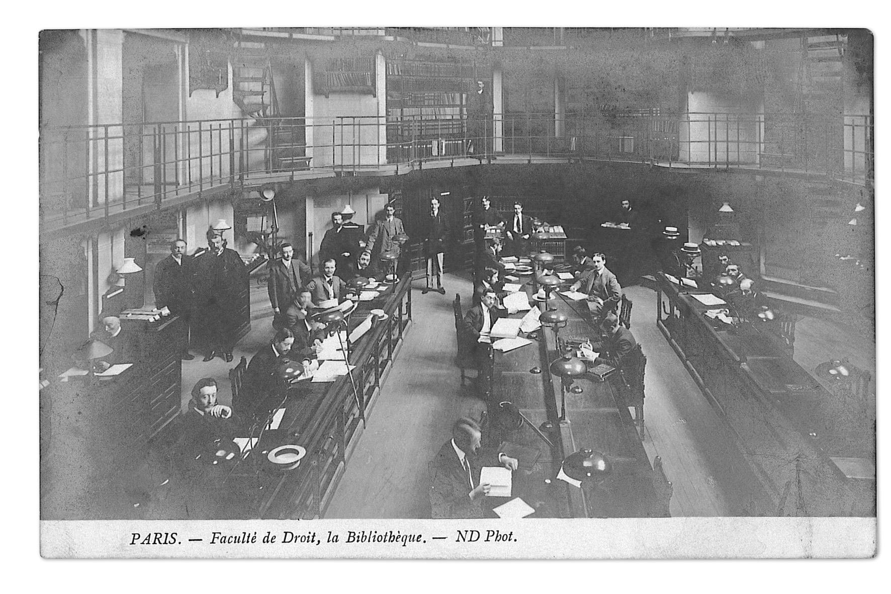 Salle de lecture de la bibliothèque de la Faculté de droit inaugurée en 1878.